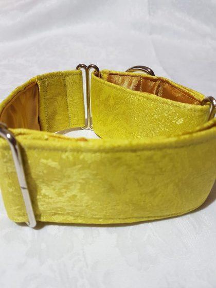 collar amarillo para perros hecho a mano
