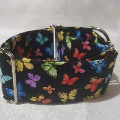 collar martingale barato con mariposas