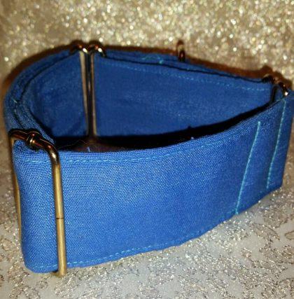collar martingale hecho a mano color azul