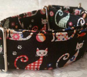 collar para perros estampado con gatitos de colores modelo c68