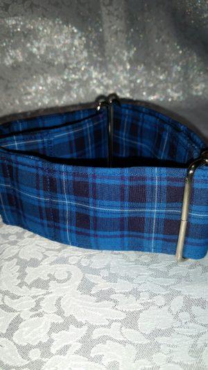 collar para perros hecho a mano de color azul modelo C86