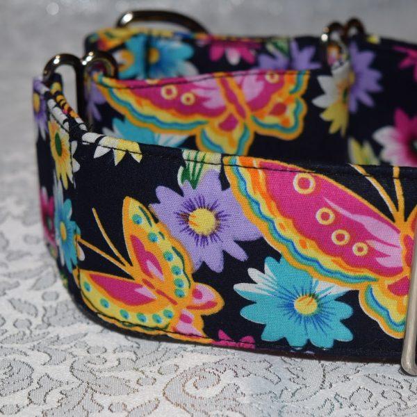 collar para perros y galgos con mariposas multicolor modelo C90