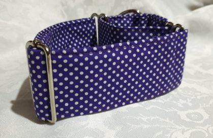 collar para perros solidario hecho a mano Modelo C22 color morado