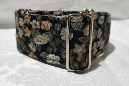 collar de tela para perros con florecillas modelo c149
